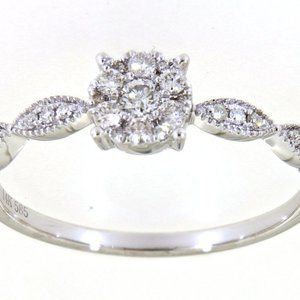 Cluster Diamond Floral Style Fancy Ring White Gold
